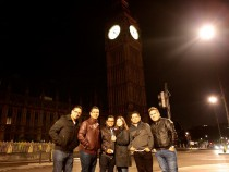 Miel San Marcos de visita en Londres