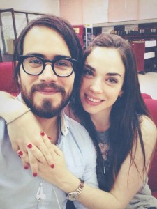 El primogénito de Jesús Adrián Romero se compromete.