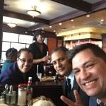 Luis Santiago y Danny Berrios se encontrarón en un restaurante de NY